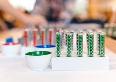 Montessori Material Mathematik die große Division Pädagogik und Ausbildung